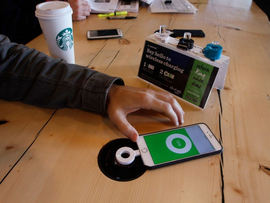 Wireless Charging Handy Starbucks
